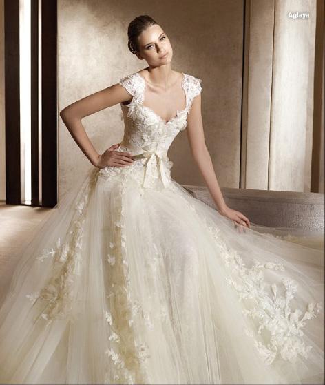 elie saab wedding dresses 2010. Elie Saab wedding dresses