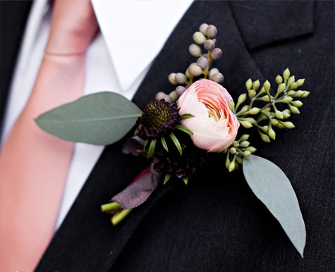 pale_pink_boutonniere