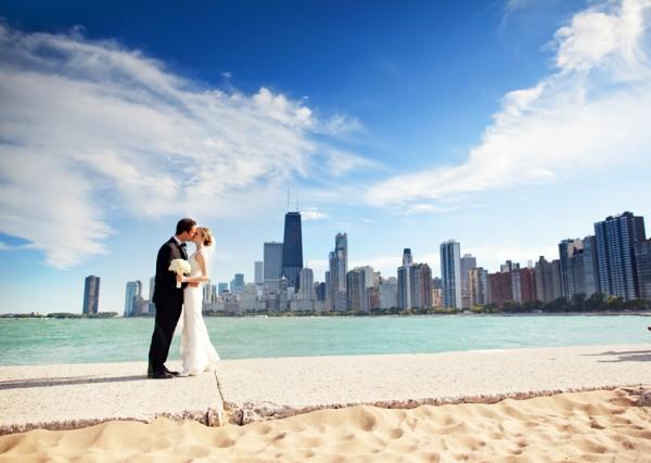 City-Skyline-Bride-and-Groom